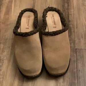 Kim Rogers suede clogs, tan, size 9 1/2